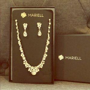 NWT Mariel Necklace & Earrings Set